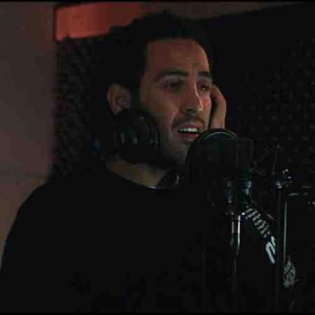 دانلود آهنگ احمد سلو به نام عشق دیروز ( شب و تنهایی تنهاترم کرده بی رحم  )